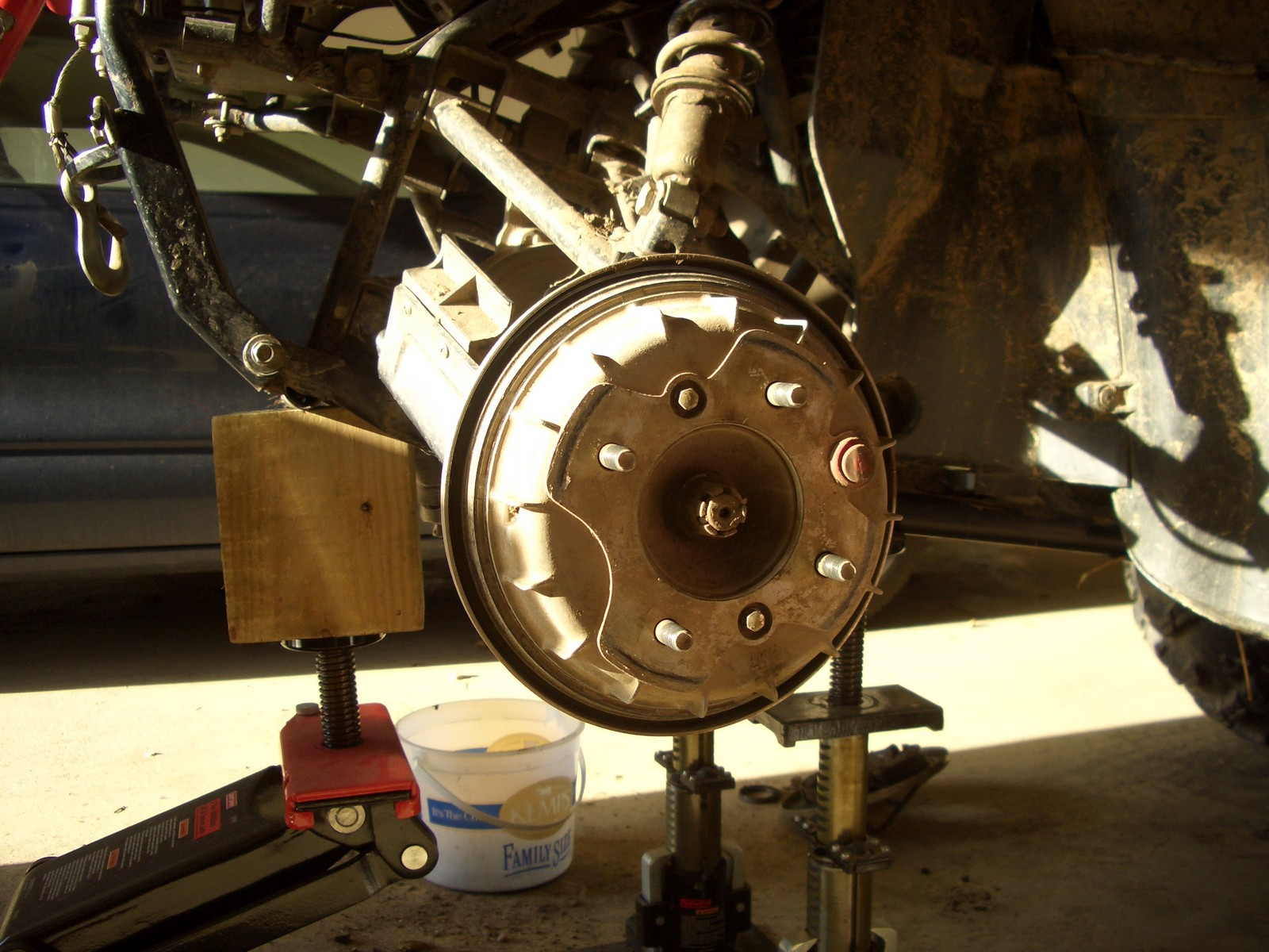 Front wheel bearing replacment - Honda Foreman Forums ...