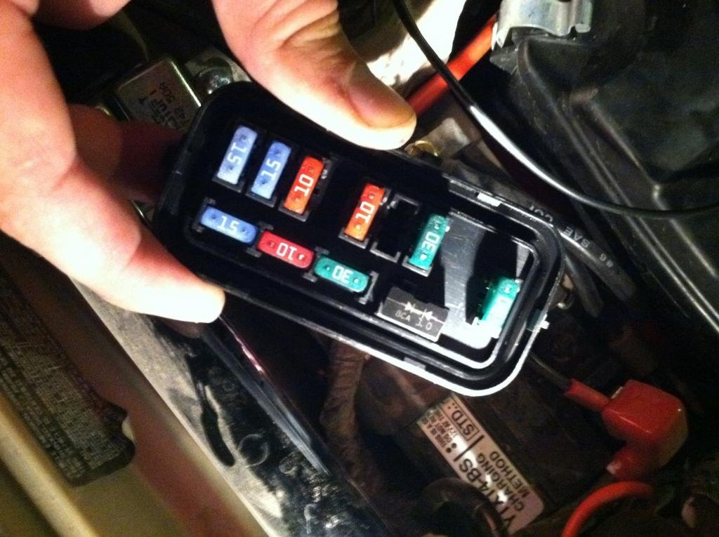 what is this and why is it in the Fuse Box? | Honda Foreman ForumsHonda Foreman Forums